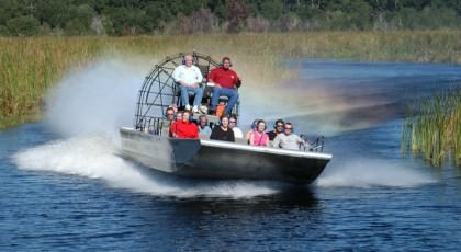 Airboat_orlando_attractions_american_vacation_living-420x230 - disney