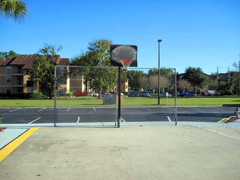 Basketball-playground - disney