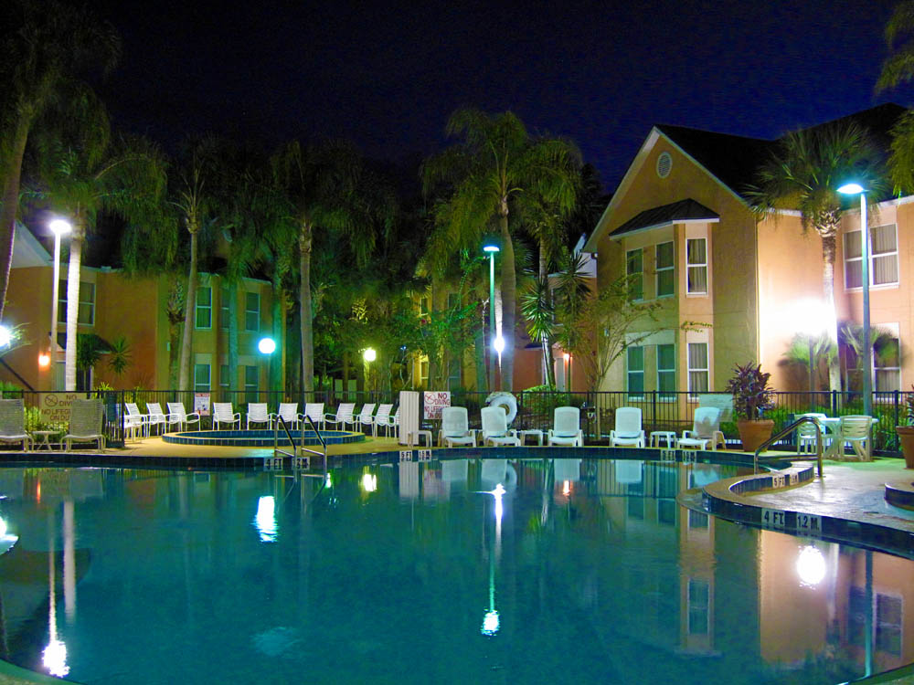 disney-resort-villas-at-night - disney
